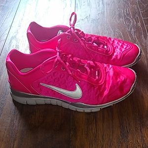 Nike Training TR Luxe hot pink tennis shoes sz 8
